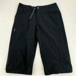 MOUNTAIN HARDWARE Black Cropped Hiking Capri Pants